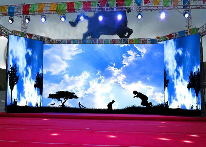 Chiny ISE Show P3.91 Kryty krzywa DJ Booth Stage Video Wall Led Display 220 / 110V 1920Hz fabryka